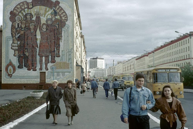 The streets of Norilsk, 1993