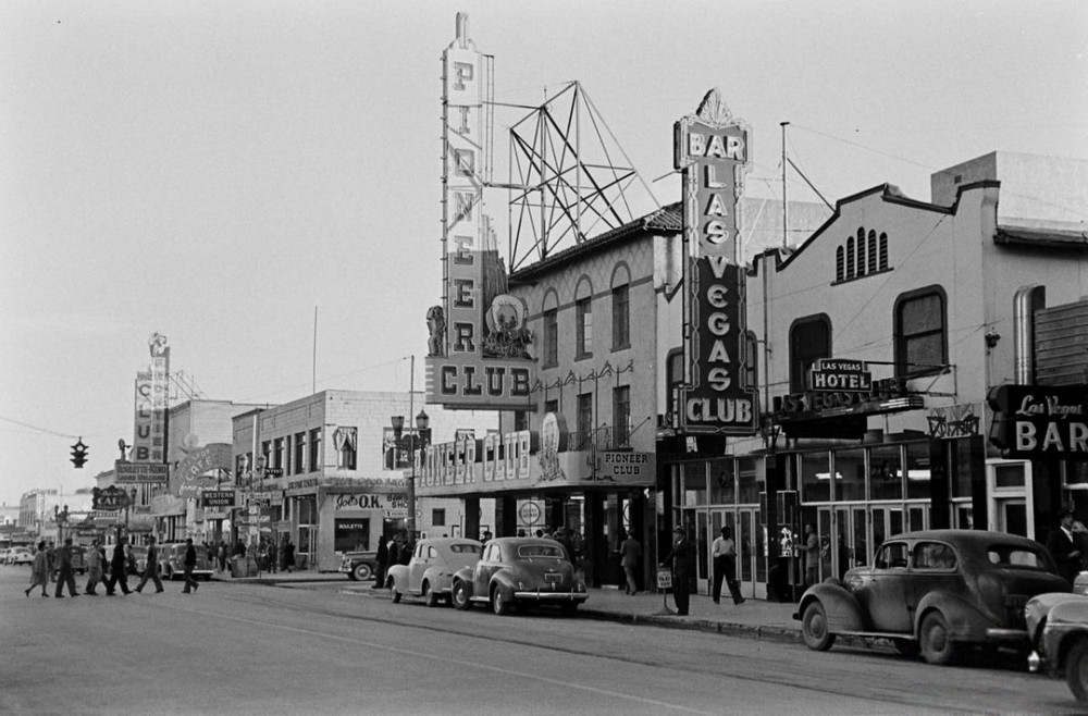 Vintage photos of Downtown Las Vegas in 1942
