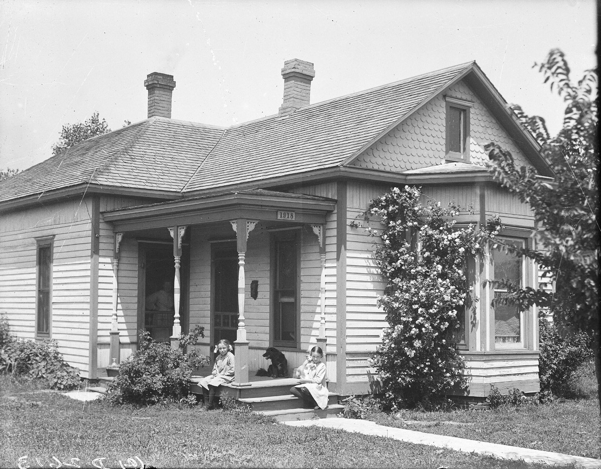 Webert House in Kearney, Nebraska, 1909.