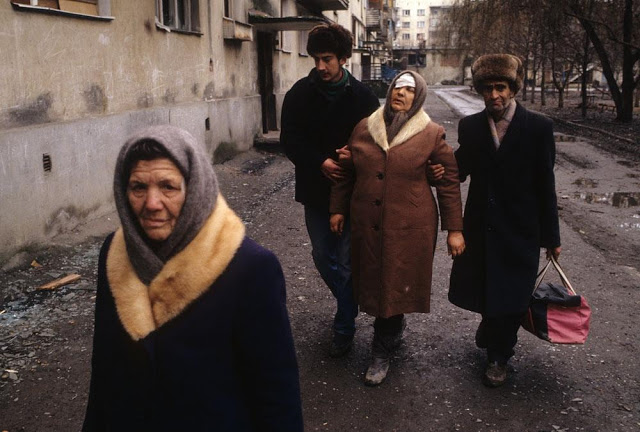 Wounded women, Chechnya, 1995