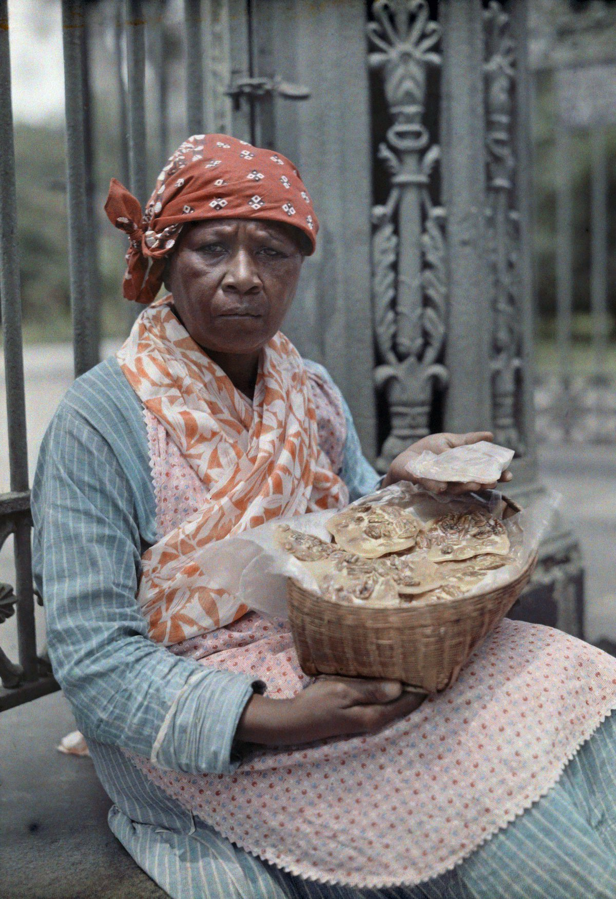 1920s pictures of Praline saleswoman in the French Quarter.