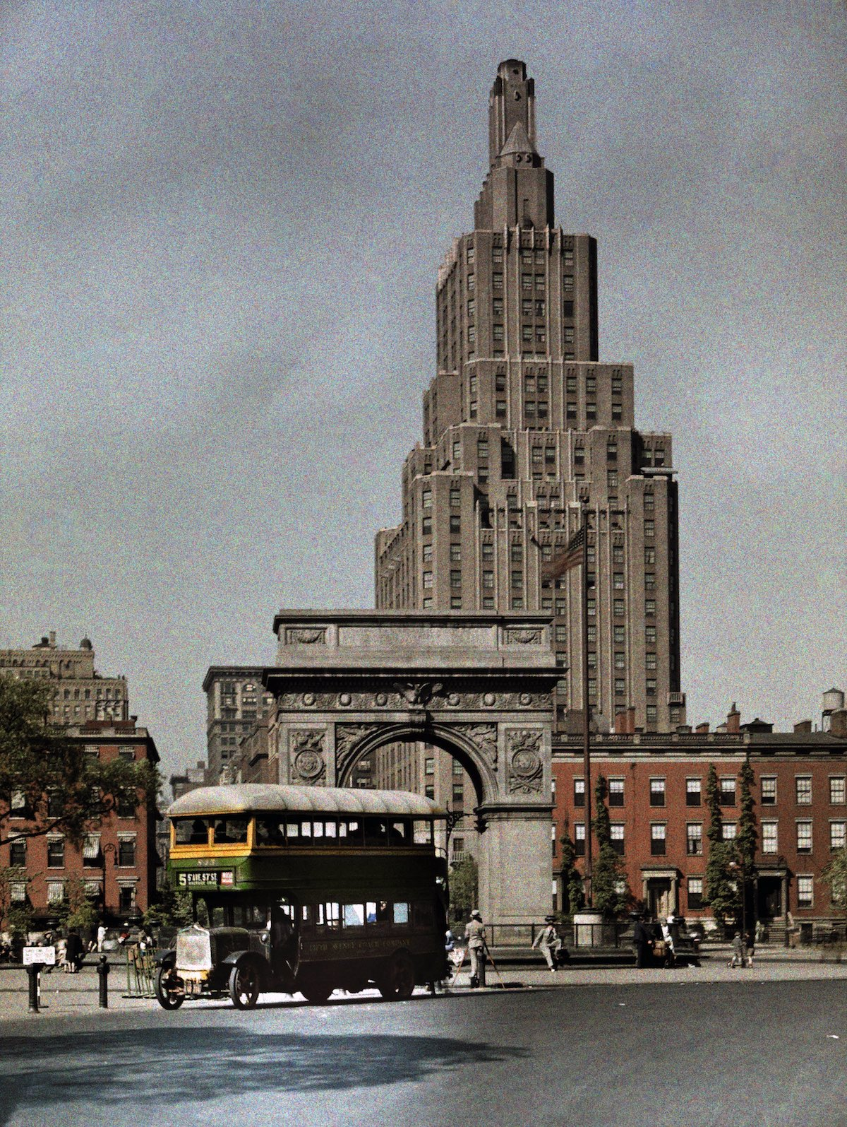 Washington Square and Fifth Avenue, pictures 1920s